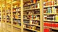 Bücherregale in der Bayerischen Staatsbibliothek 05.jpg