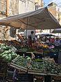 Bancarella fruttivendolo - Mercato di Antignano Vecchia (Naples).jpg