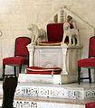 Bari, duomo, interno, cattedra ricomposta con frammenti originali dell'XI-XII secolo.jpg