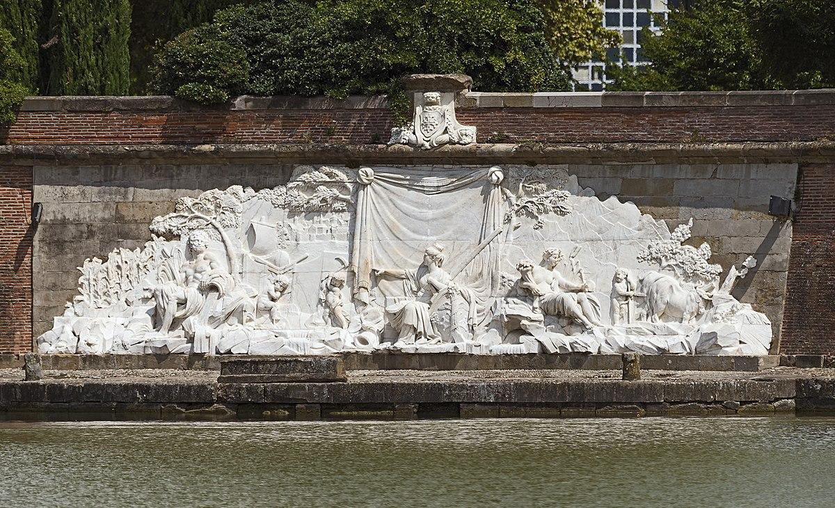 Bas Relief Des Ponts Jumeaux Wikip 233 Dia