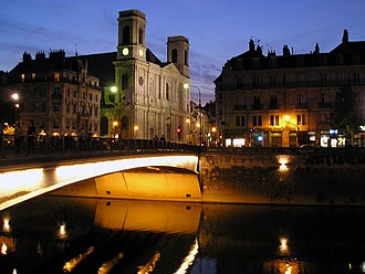 Battant (Besançon) - Battant bridge and the church, 2007.