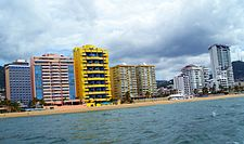 Beach and buildings in Acapulco, Mexico.jpg