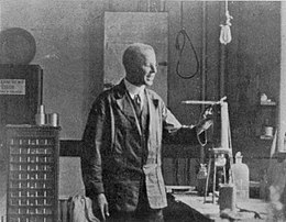 Bertram Boltwood in the lab 1917 at Yale 1917.jpg
