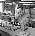 Beslissingswedstrijd schaken begonnen in GAK, Portisch voor het schaakbord, Bestanddeelnr 916-5869.jpg