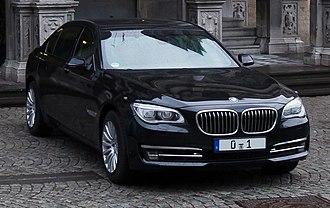 BMW 7 Series (F01) - BMW 7 Series (F03)