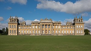 Treasure Houses of England - Image: Blenheim Palace facade October 2016