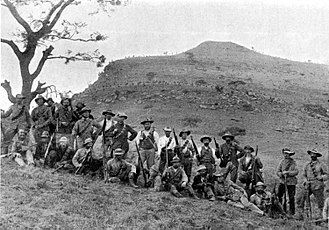 Battle of Spion Kop - Image: Boers at Spion Kop, 1900 Project Gutenberg e Text 16462