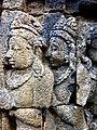 Borobudur - Divyavadana - 070 W, King Bimbisara sends a painting of Buddha to King Rudrayana (detail 1) (11706282825).jpg