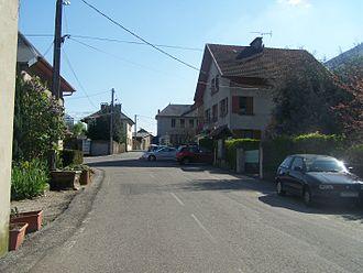 Bourdeau - Sight of the main road of Bourdeau.