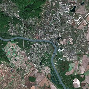 Satellite imagery - SPOT image of Bratislava