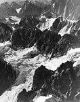 Buckskin Glacier, aretes seperating glaciers, icefall and bergschrund, August 9, 1957 (GLACIERS 7168).jpg