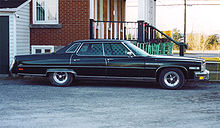 220Px Buick Electra Limited 1975