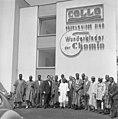 Bundesarchiv B 145 Bild-F010651-0007, Bonn, Politiker aus Nigeria bei Besichtigung.jpg