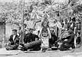 COLLECTIE TROPENMUSEUM Een gandrung banyuwangi danseres met muzikanten TMnr 10026816.jpg