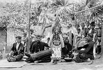 Gandrung - Musical ensemble that accompanies the gandrung.