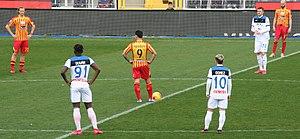 Calcio di inizio Lecce Atalanta.jpg