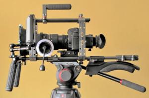 English: Canon 5d Mark II set up for cinema st...