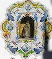 Capillita con Virgen en la fachada de la Parroquia.JPG