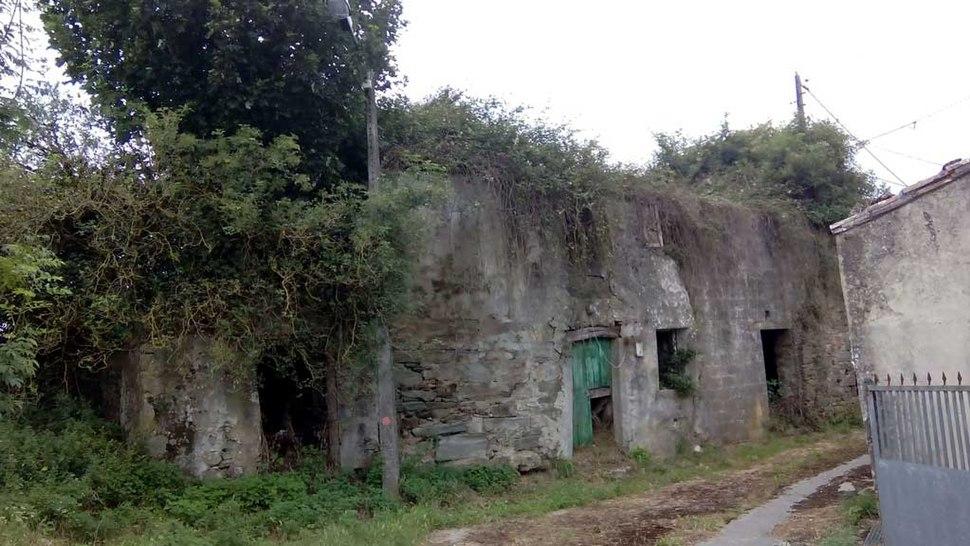 Casa da familia de Foucellas en Bodeus, Curtis.