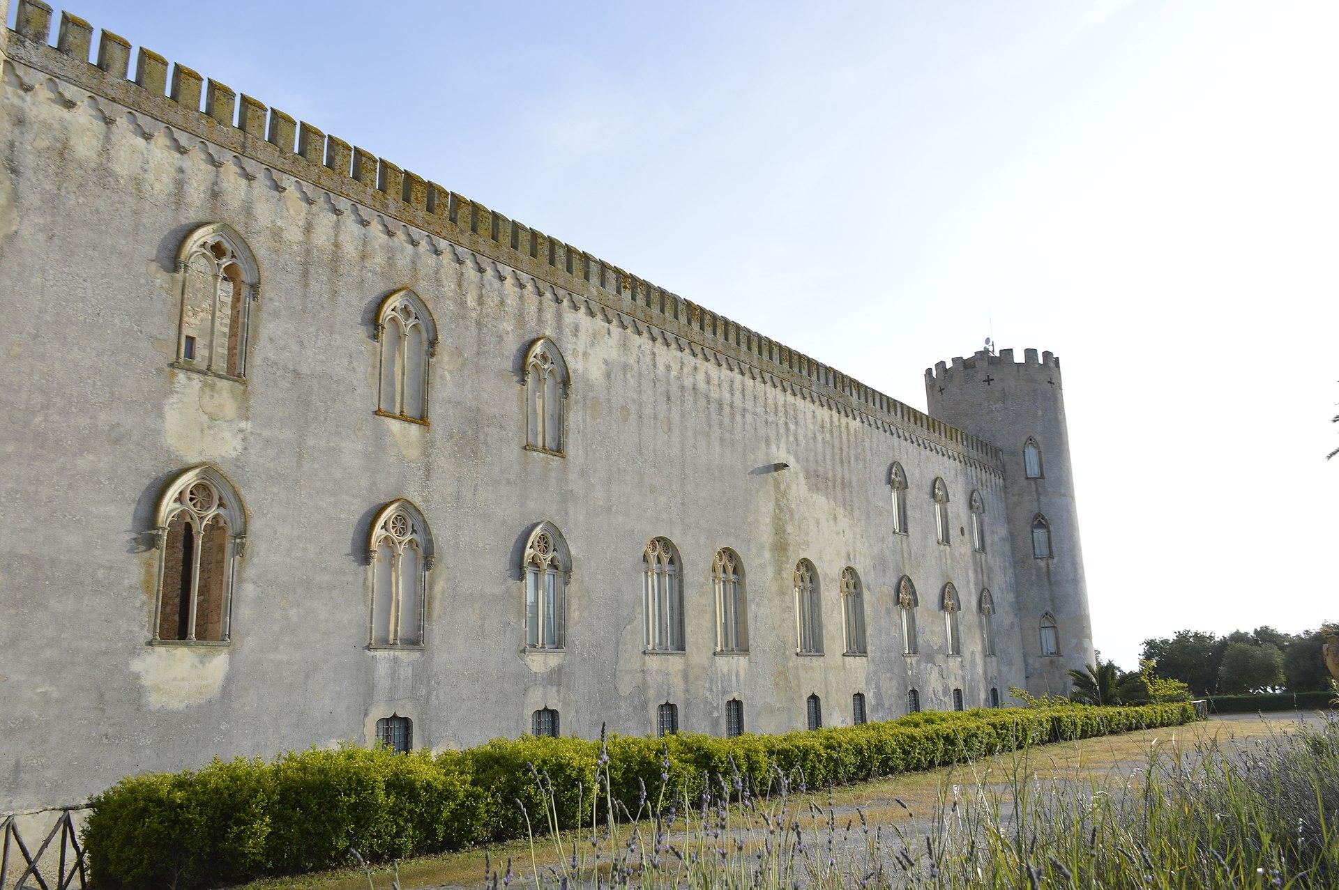 Castello di Donnafugata - vista.jpg