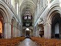 Cathédrale de Bayeux - nef (vers façade).jpg