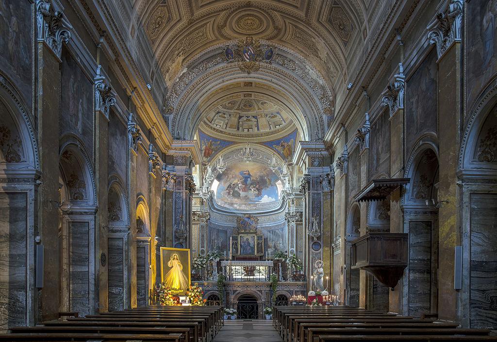 Vue intérieure de la cathédrale de Nepi, dans le Latium.  (définition réelle 5365×3689)