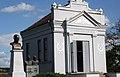 Cer kapela i spomenici kralju Aleksandru i vojvodama Stepi i Putniku.jpg