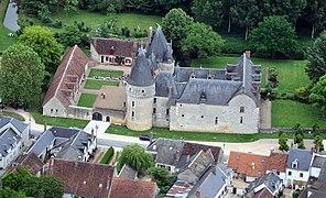 Château de Fougères 2 - juin 2013.jpg