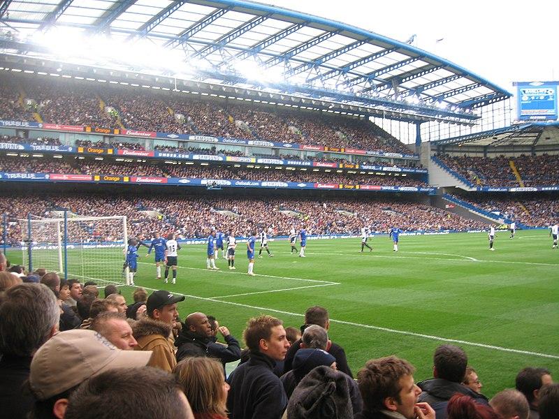 Stamford Bridge 800px-Chelsea_defend_corner
