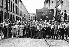 Child workers in Fries, Virginia.jpg