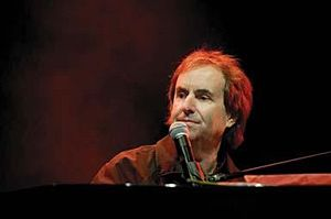 English: I took this picture of Chris de Burgh...