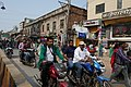 Circulation dans les rues de Varanasi (5).jpg
