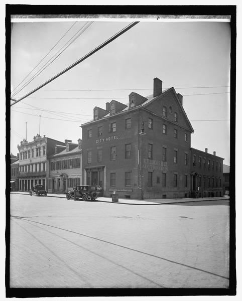 File City Hotel Gadsbys Tavern Wikimedia Commons