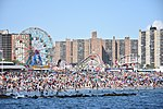 Coney Island beach and amusement parks (June 2016).jpg