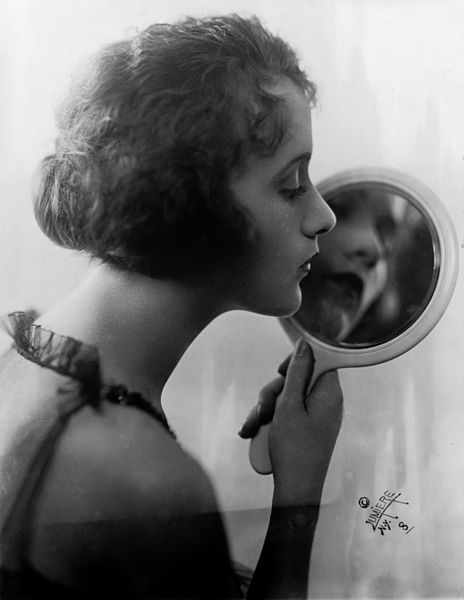 File:Constance Talmadge by Lumiere, 1921.jpg