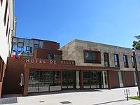 Corbas - Hôtel de ville (août 2018).jpg