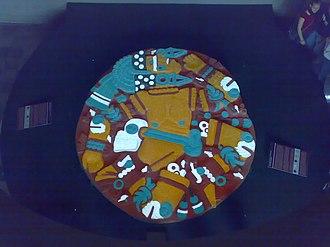 Coyolxauhqui Stone - Image: Coyolxauhqui colores originales