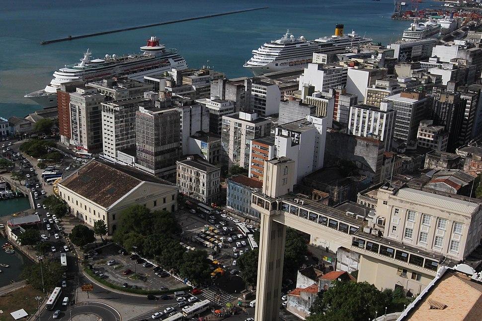 Cruzeiros no Porto de Salvador