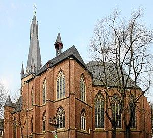 Düsseldorf St Lambertus v SO.jpg