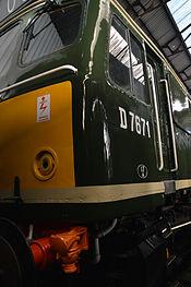 D7671 - Midland Railway Centre (12408486594).jpg
