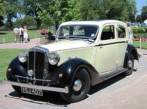 Daimler mfd 1937 first registered UK Jan 1999 New 15 four-light sports saloon.jpg