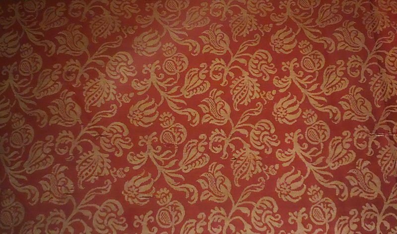 File:Damask with floral sprigs, Italy, Baroque, 1600-1650, silk two-tone damask - Royal Ontario Museum - DSC04376.JPG