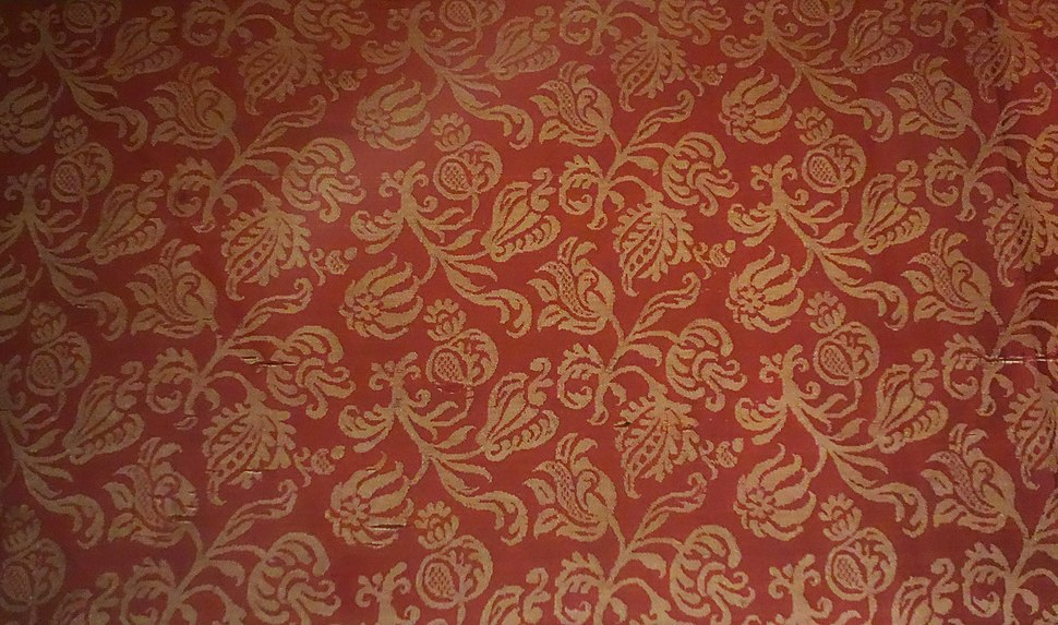 Damask with floral sprigs, Italy, Baroque, 1600-1650, silk two-tone damask - Royal Ontario Museum - DSC04376