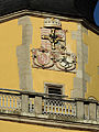 Das Münster St. Johannes in Bad Mergentheim. Der wappengeschmückte Turmaufsatz.jpg