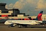 Delta N670DN Boeing 757-200 (20132719095).jpg