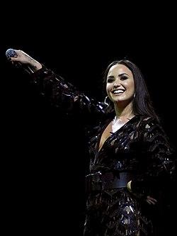 10a5964989f467 Demi Lovato – Wikipédia, a enciclopédia livre