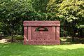 Denkmal für die Opfer des Faschismus in aller Welt, Urnenfriedhof Seestraße, Berlin-Wedding.jpg