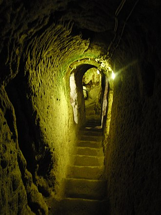 Derinkuyu - Image: Derinkuyu staircase
