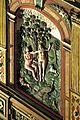 Die Kanzel aus dem Jahr 1581 mit einem fantastischen Bildprogramm. Adam und Eva, beide mit Apfel.jpg