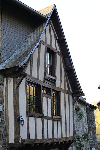 File:Dinan - 7 rue du Petit-Fort 20130216-01.JPG Исторические памятники Динана, достопримечательности Динана, фотографии Динана